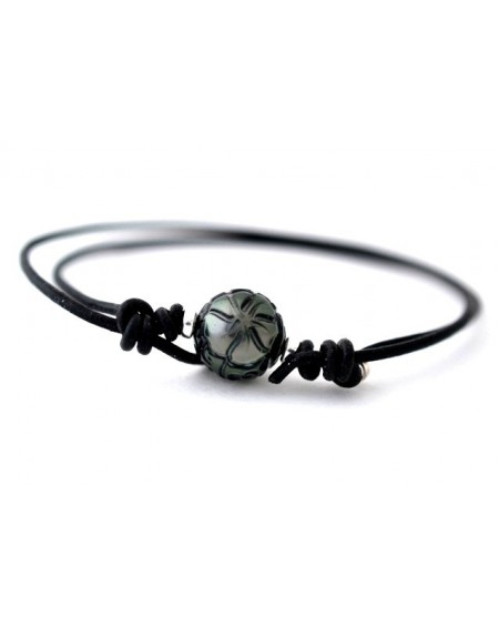 TAHITIAN PEARL ENGRAVED NECKLACE